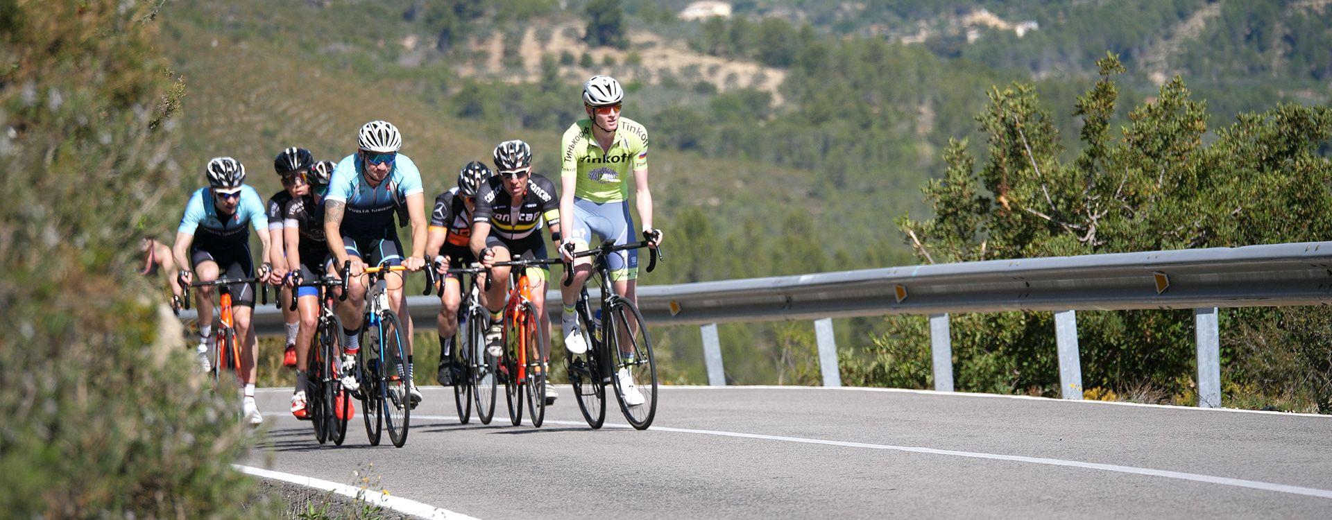 Trainen op de racefiets in Calpe